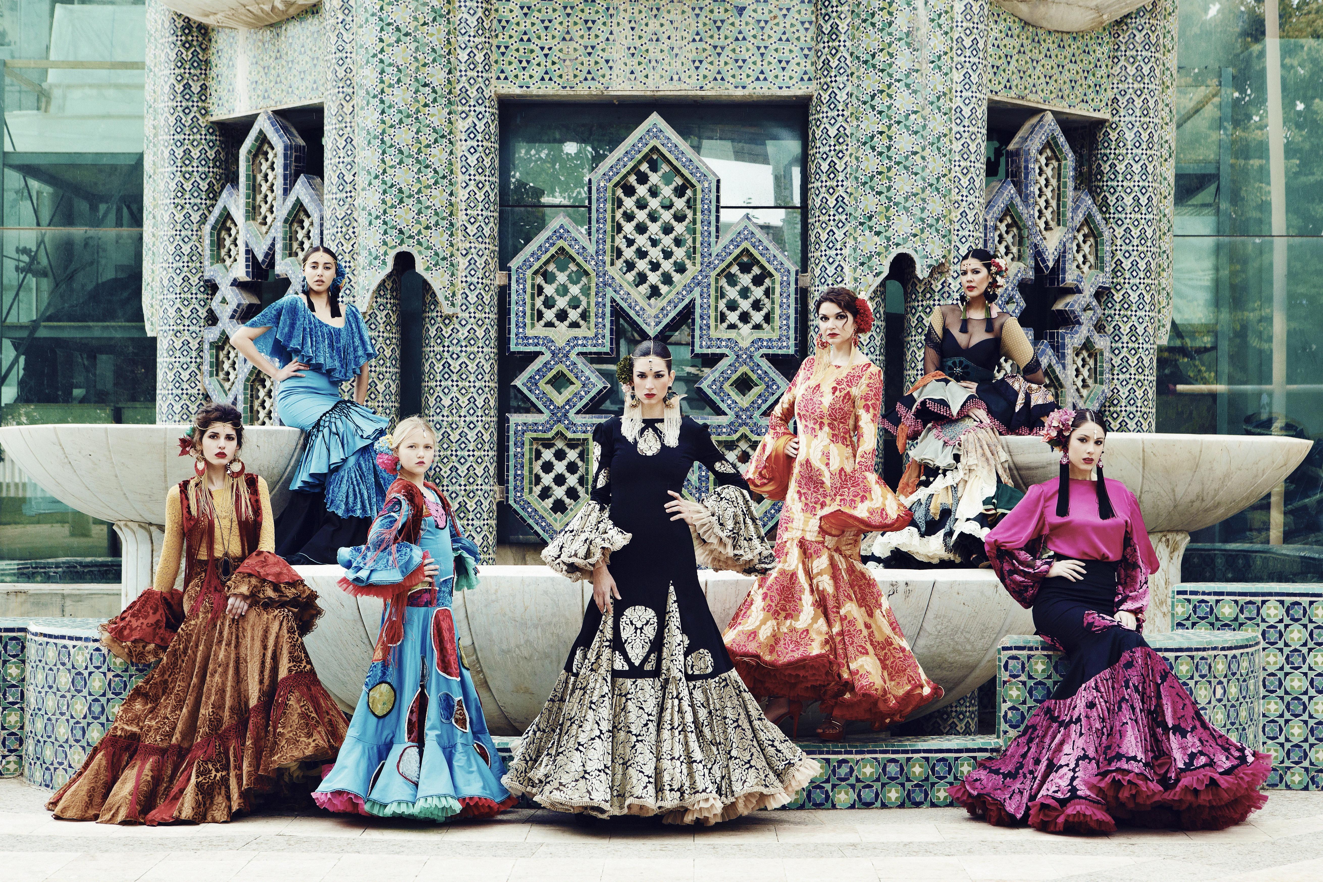 Tienda artesanal de moda flamenca.